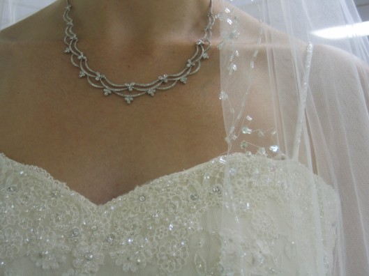Neckline, necklace, veil